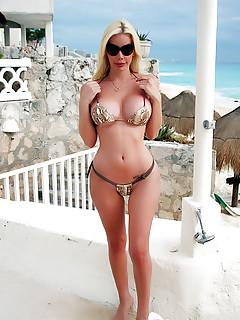 Shemale Bikini Pics