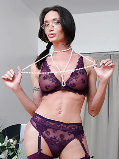 Shemale Lingerie Pics